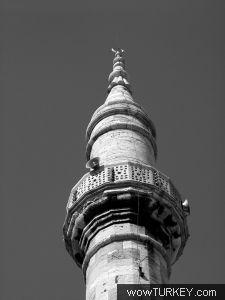 k_fikri_aktan_wow_cerrahpasa_camii_minare_kulahse.jpg
