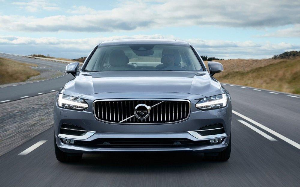 2016-Volvo-S90-front.jpg